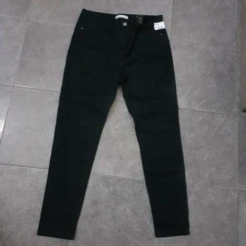 Calça preta sarja
