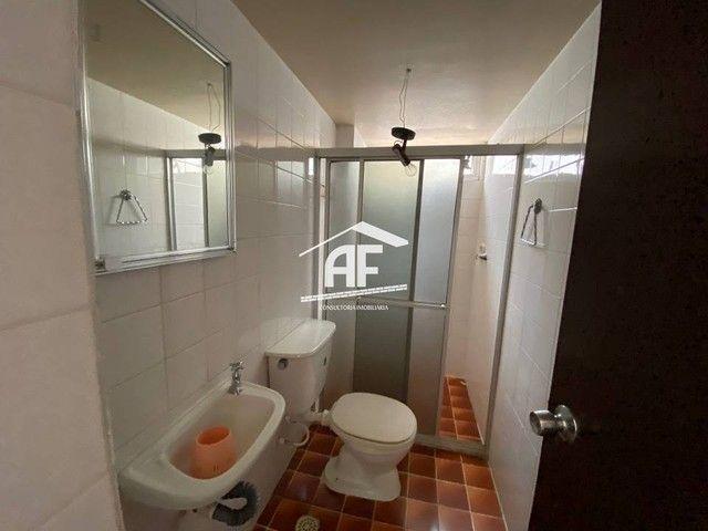 Apartamento Localizado 50 metros da orla de Ponta Verde, 3 suítes, 140m² - Foto 11