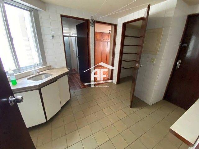 Apartamento Localizado 50 metros da orla de Ponta Verde, 3 suítes, 140m² - Foto 7