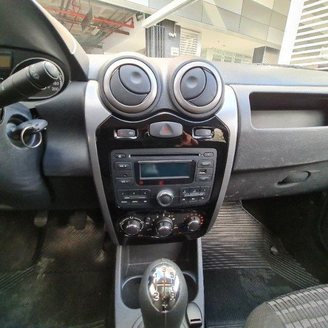 Renault Sandero 1.0 Expression 2013 - Foto 10