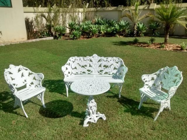 Mesa de jardim - Conjunto Samambaia