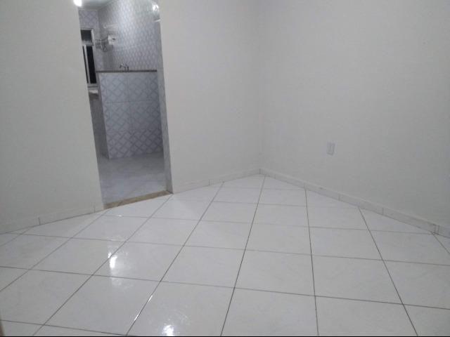 Casa tipo apartamento com um lance de escada. 2 meses de deposito