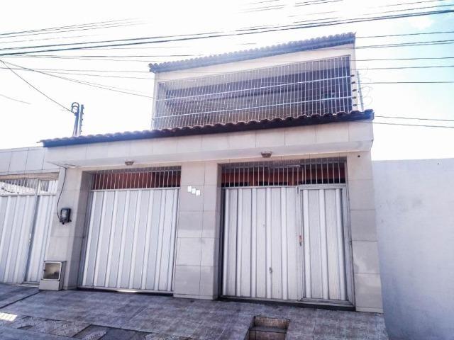 CA1759 Casa duplex com 3 quartos, 2 vagas, 240m² de área construída, Bairro Siqueira