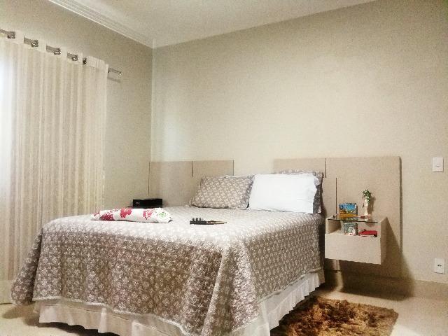 Esplêndida casa térrea alto padrão, 4 quartos, completo em armários na Vicente Pires - Foto 7