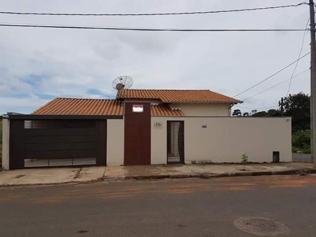 Casa em Araxá com 03 quartos