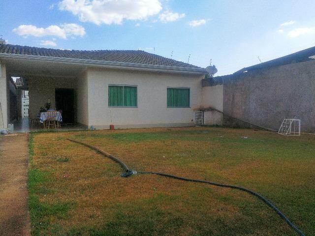 Esplêndida casa térrea alto padrão, 4 quartos, completo em armários na Vicente Pires - Foto 15