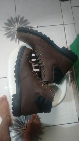 6f4fdb21d Par de botas número 41 - Roupas e calçados - Marambaia