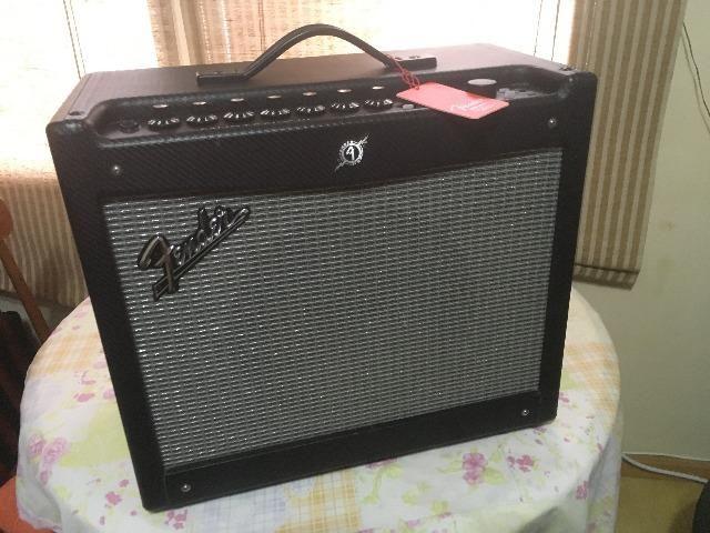 Fender Mustang III V2 100 Watts novo