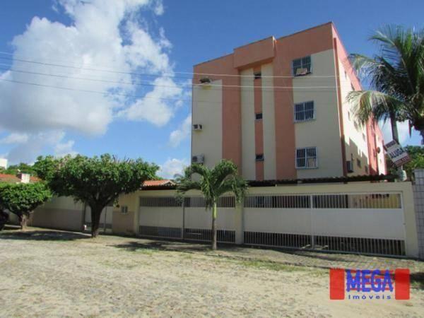 Apartamento com 2 quartos para alugar, próximo à Av. Central