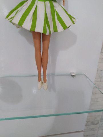 Conjunto de roupas com par de tênis para Barbie anos 80 . - Foto 2