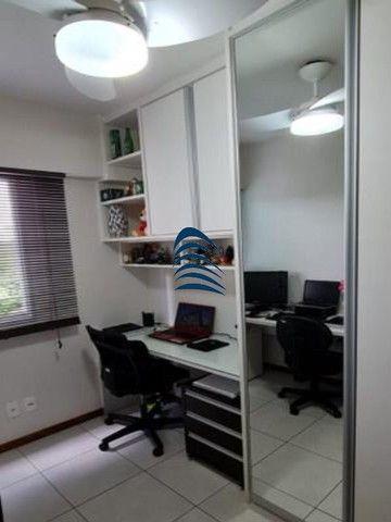 Apartamento 2 quartos sendo 1 suíte na Pituba! Excelente localização, varanda com fechamen - Foto 17