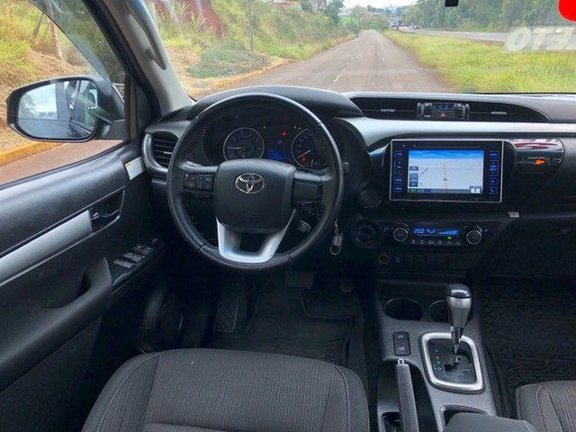 Toyota Hilux SR 2.8 4P - Foto 7