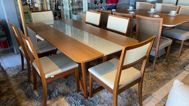 Mesa de madeira maciça de 8 lugares nova completa