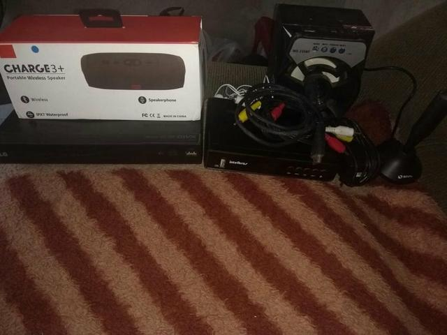 Cachinha jbl dvd LG conversor digital e outra cachinha de som
