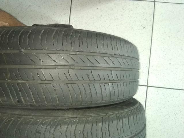Vende-se, 2 pneus continental, 185-65R15, pneus mas de meia vida preço bom - Foto 2