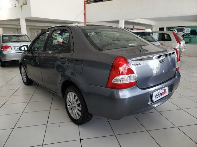 Etios sedan 1.5 XLS 2014 com couro - Foto 5