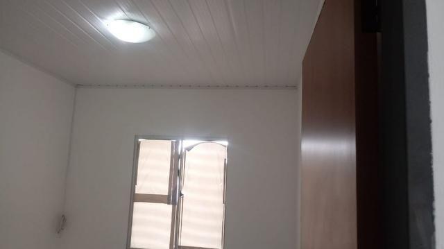 Alugo casa em condomínio