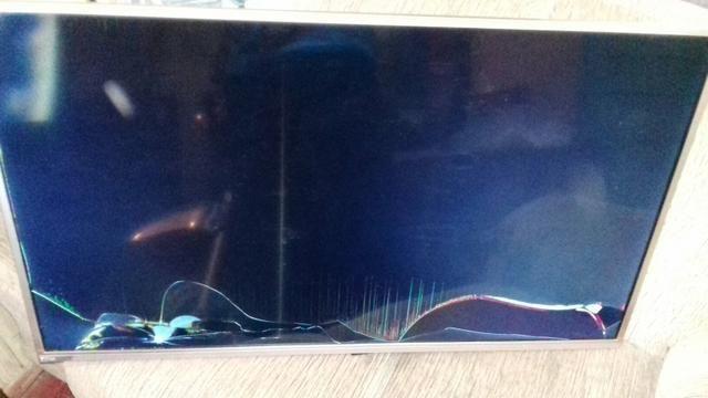 Smart tv philco por parafusadeira