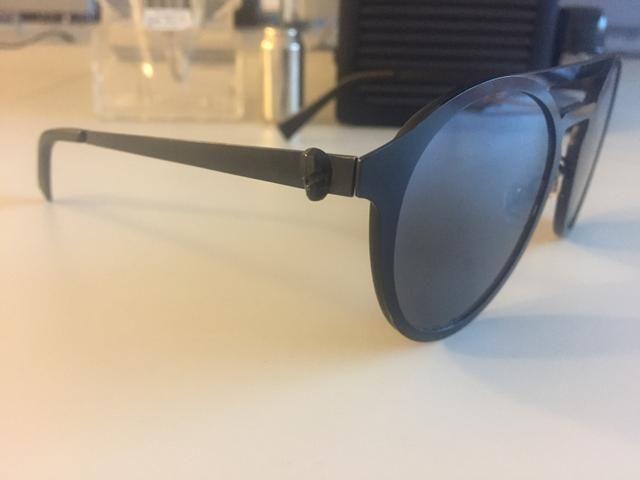 4cbbf5cb6 Óculos de sol chilli Beans caveira coleção nova baratoooooo ...