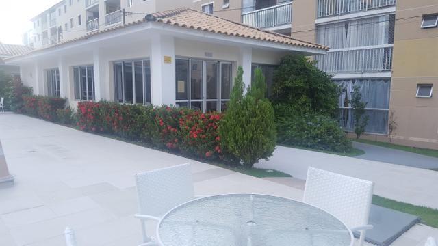 Apartamento semi mobiliado 2/4 com suite em Buraquinho próximo a estrada do coco - Foto 8