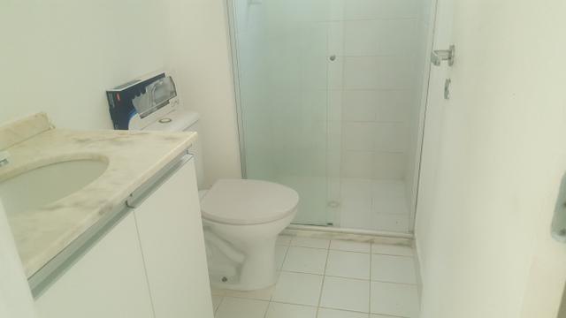 Apartamento semi mobiliado 2/4 com suite em Buraquinho próximo a estrada do coco - Foto 5