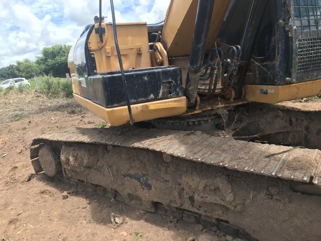 Escavadeira hidráulica caterpilar 320d - Foto 6
