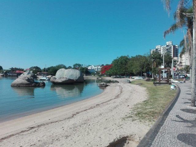Natal Revellion ' 1 quarto 100m do mar, Florianopolis - Foto 13