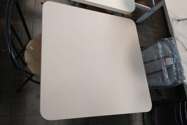 """Oferta imperdível - Mesas e cadeiras usadas """"no estado"""" - Foto 2"""