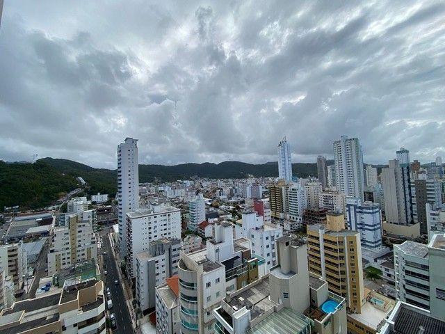 Excelente Apartamento com 3 Suítes e 2 Vagas em Balneário Camboriú - Foto 8