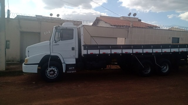 Caminhão MB1620 - Foto 2