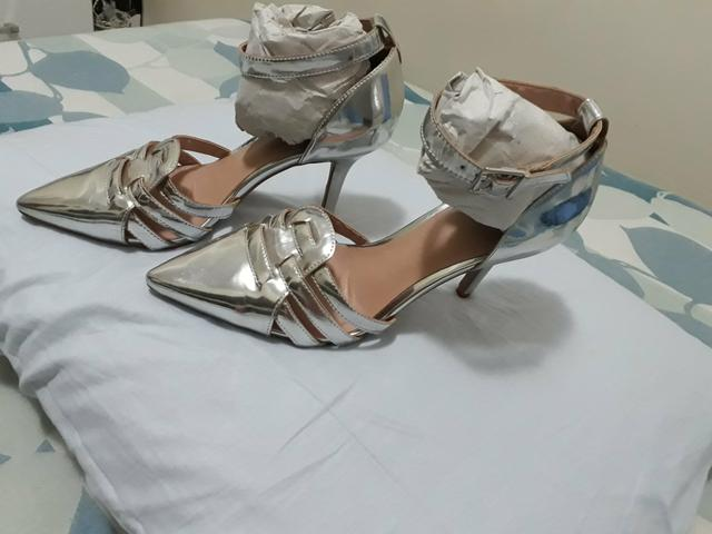 Sapato salto scarpin tipo sandália Tam 37