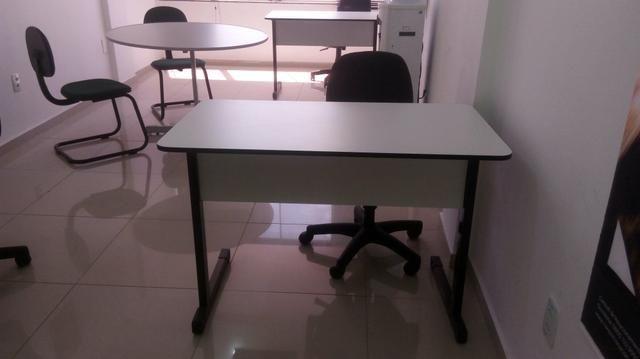 Mesa, cadeiras, biró