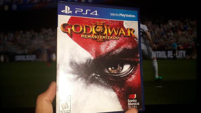Vendo ou troco GOD OF WAR 3 REMASTERIZADO PS4