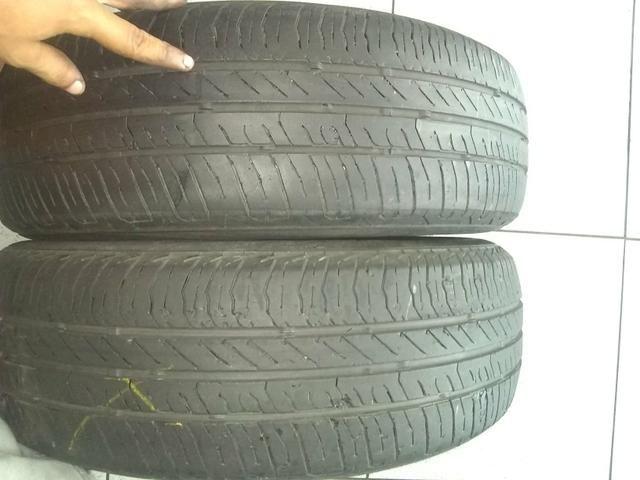 Vende-se, 2 pneus continental, 185-65R15, pneus mas de meia vida preço bom