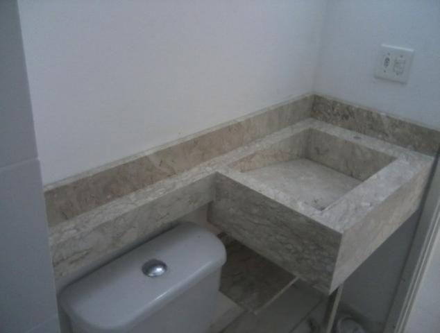 Pia de Banheiro Mármore Travertino com cuba esculpida