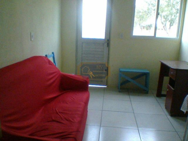 Imóvel com casa de moradia 3 dorm , mas casa geminada ,com 2 dorm . - Foto 5