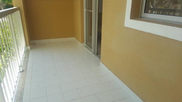 Apartamento semi mobiliado 2/4 com suite em Buraquinho próximo a estrada do coco - Foto 6