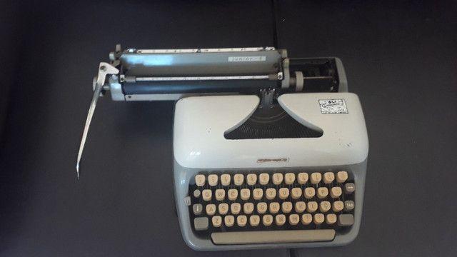 Máquina De Datilografia - Máquina De Escrever - Funcionando - Foto 2