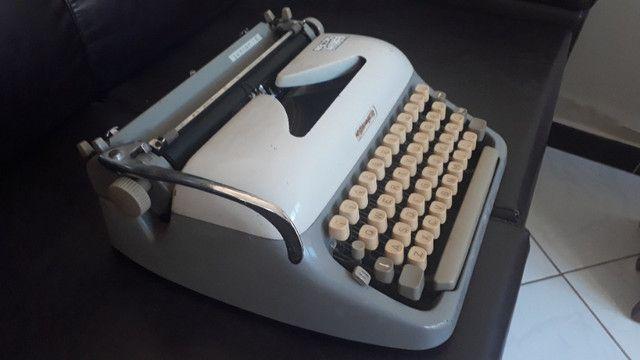 Máquina De Datilografia - Máquina De Escrever - Funcionando - Foto 3