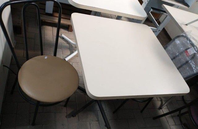 """Oferta imperdível - Mesas e cadeiras usadas """"no estado"""""""