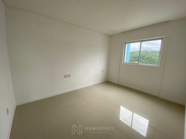 Excelente Apartamento com 3 Suítes e 2 Vagas em Balneário Camboriú - Foto 3