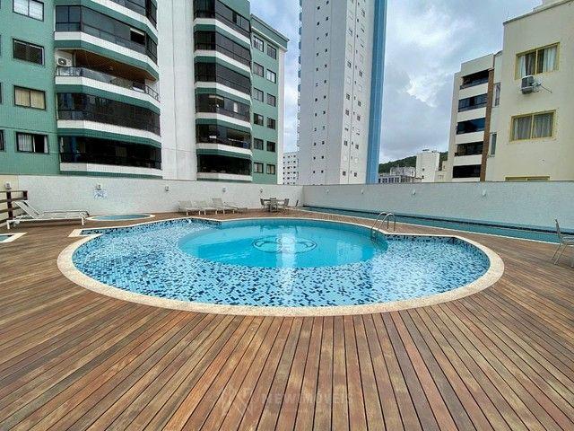 Excelente Apartamento com 3 Suítes e 2 Vagas em Balneário Camboriú - Foto 11