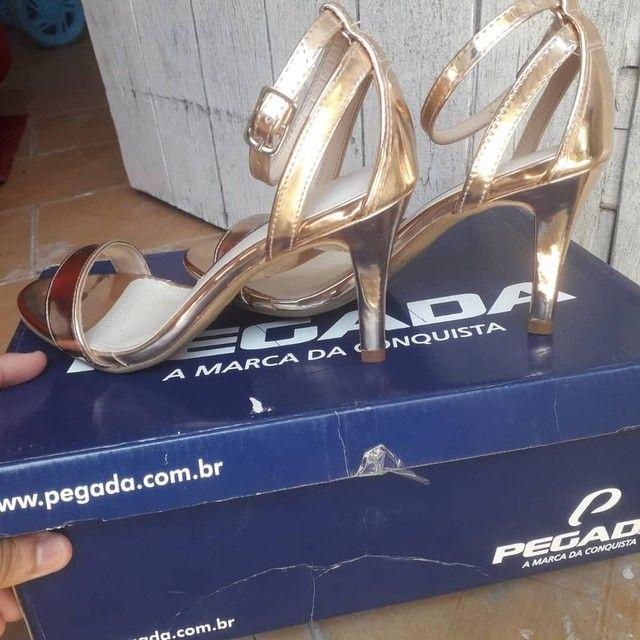 sandália e sapato - Foto 3