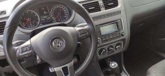 Volkswagen Fox HIGHLINE 1.6 2014 - Foto 11