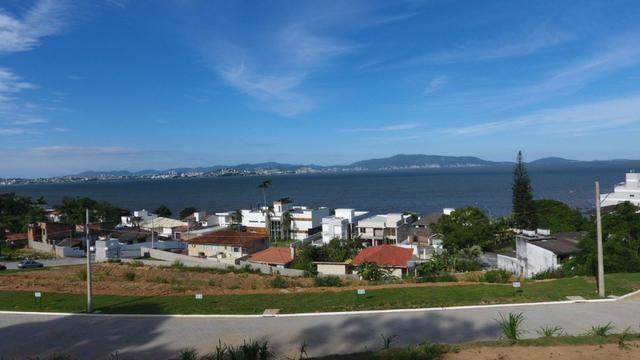 Terreno 458 m² com Vista para o Mar na Ponta de Baixo - São José