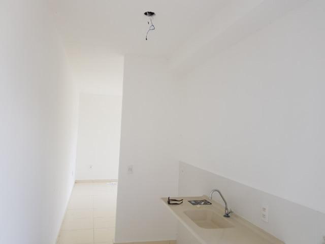 Lindo apartamento no Cd. Villa Jardim de 02 quartos, com area de lazer completa - Foto 2