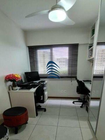Apartamento 2 quartos sendo 1 suíte na Pituba! Excelente localização, varanda com fechamen - Foto 5