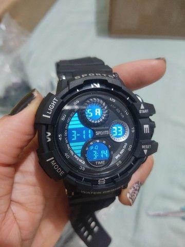 Relógio esportivo à prova d'água com Visor luminoso - Foto 4