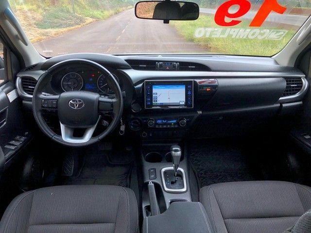 Toyota Hilux SR 2.8 4P - Foto 8