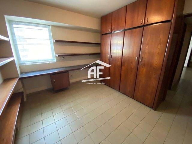 Apartamento Localizado 50 metros da orla de Ponta Verde, 3 suítes, 140m² - Foto 8